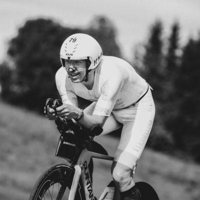 Allan Hovda on bike